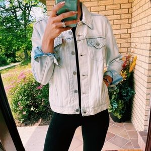 levi's oversized denim jacket